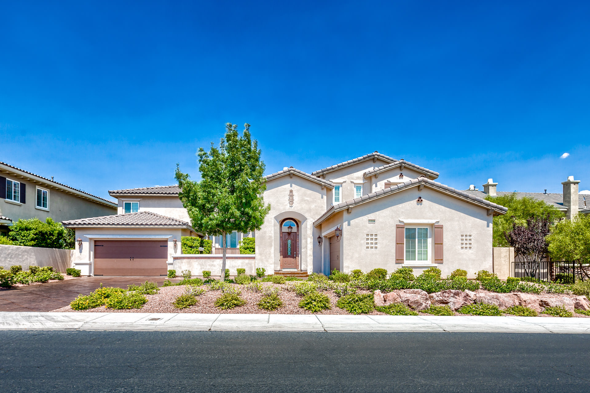 Red rock country club homes for sale for Las vegas luxury homes for sale