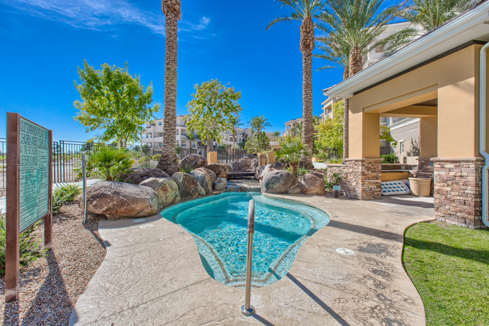 Mira villa las vegas condos for sale for Home for sale in las vegas with pool