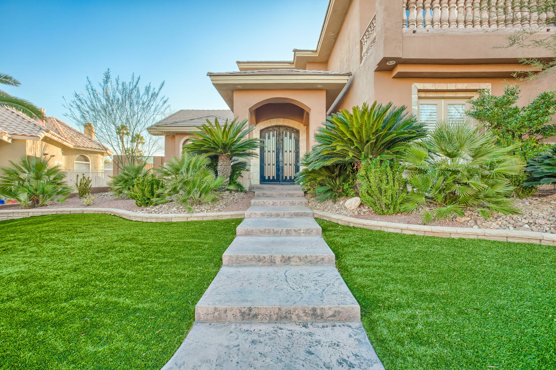 Section 3 luxury homes las vegas for Mansions for sale in las vegas