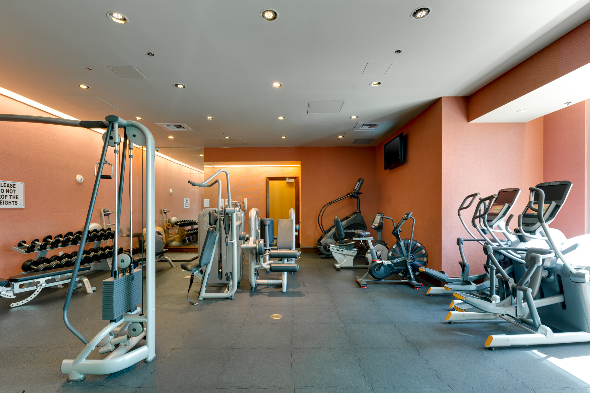 sky las vegas indoor gym amenities